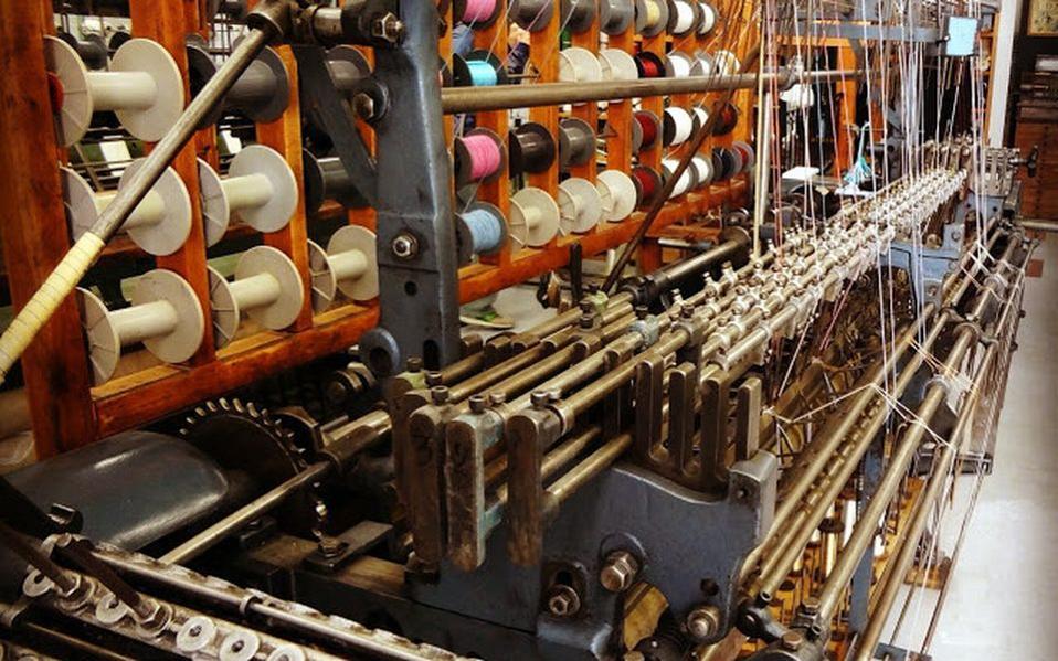 Κλωστοϋφαντουργία: Περιορίστηκε η πτώση εσόδων του κλάδου το 2013