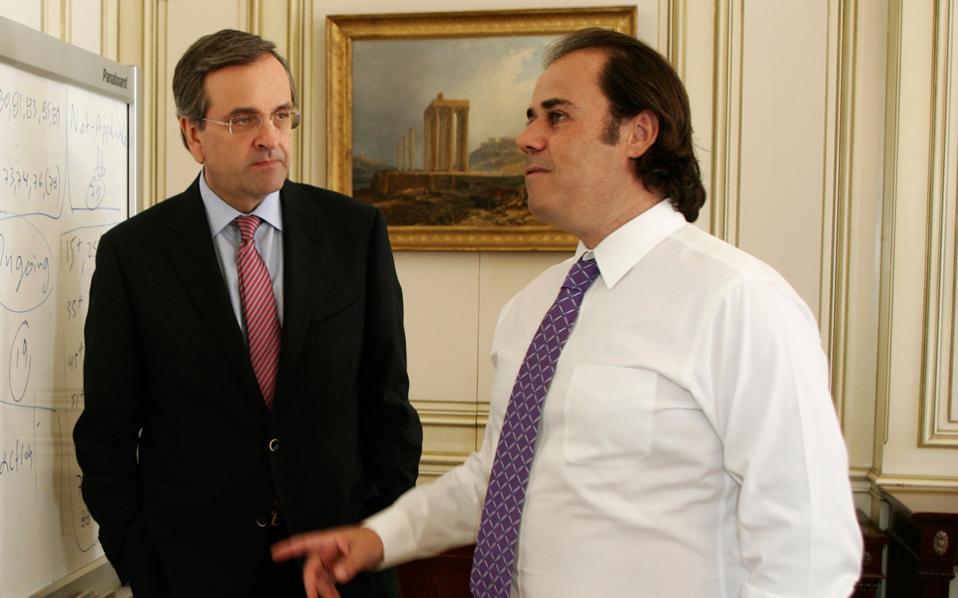 Ο σύμβουλος του πρωθυπουργού Σταύρος Παπασταύρου θεωρείται σχεδόν βέβαιο ότι έχει ήδη επιλεγεί από τον Αντώνη Σαμαρά για να πάρει τις τύχες της ελληνικής οικονομίας στα χέρια του.