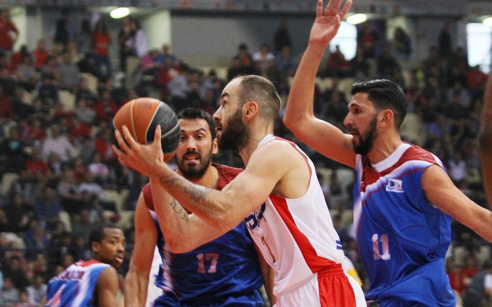 Ο Ολυμπιακός υποδέχεται σήμερα τον Πανιώνιο, ανοίγοντας την αυλαία της ημιτελικής φάσης της Α1 μπάσκετ.