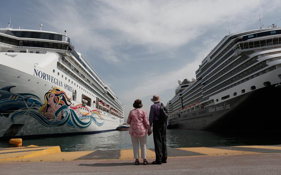 Περίπου 2,2 εκατ. επισκέπτες αναμένεται να έρθουν φέτος στην Ελλάδα με κρουαζιερόπλοια.