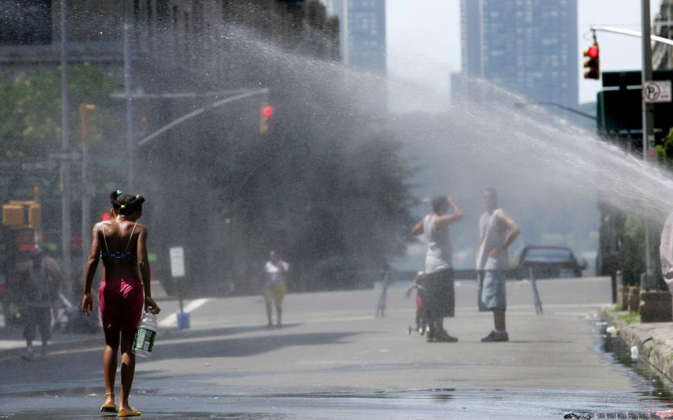 Φονική υγρασία και έντονα κύματα θερμότητας προβλέπουν οι επιστήμονες