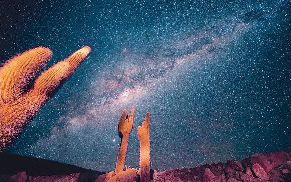 Ο Γαλαξίας μας φωτογραφημένος από μια αμερικανική έρημο.