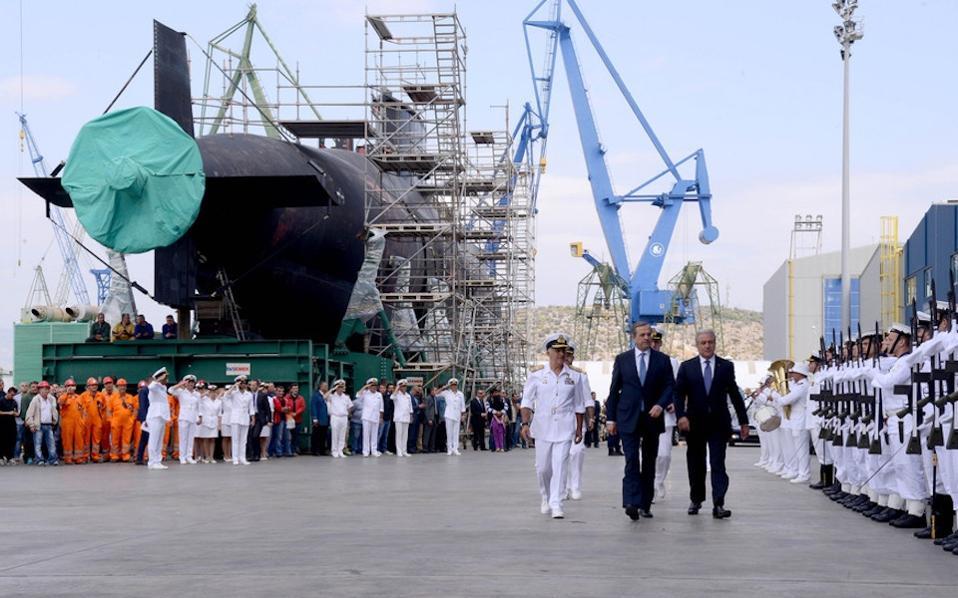 Ο «Πιπίνος», το δεύτερο υποβρύχιο κλάσης Ρ-214 του Πολεμικού Ναυτικού και το πρώτο που κατασκευάστηκε εξ ολοκλήρου στην Ελλάδα, καθελκύστηκε χθες με λαμπρότητα.