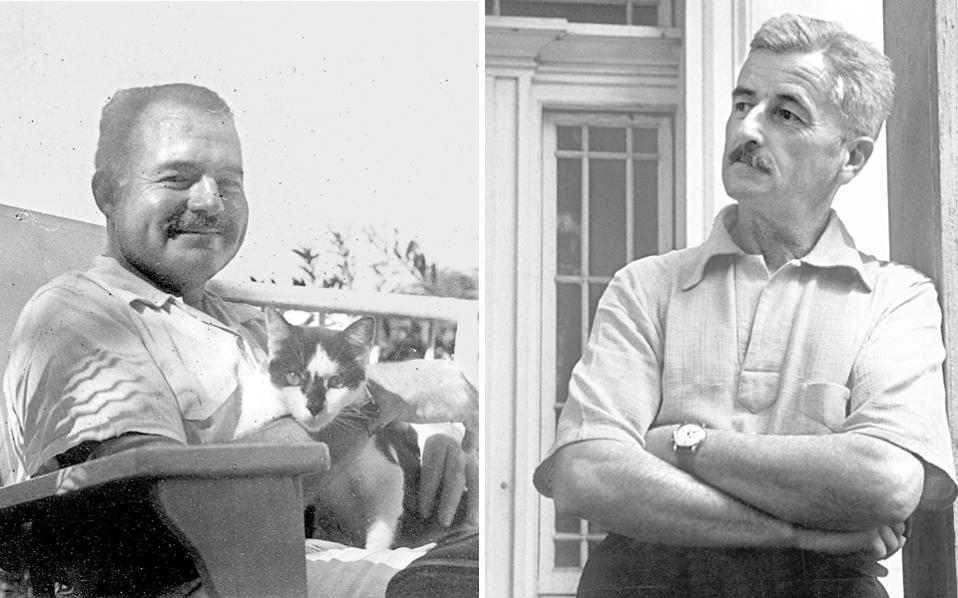 Ο Ερνεστ Χέμινγουεϊ  (αριστερά) στην Κούβα, με τη γάτα του, Μπουάζ (φωτ. Ernest Hemingway Collection/John F. Kennedy Presidential Library & Museum). Δεξιά, ο Ουίλιαμ Φόκνερ στο Μισισίπι το 1947, φωτογραφημένος από τον Ανρί Καρτιέ-Μπρεσόν (Magnum).