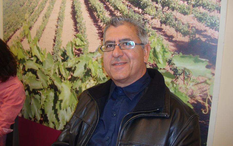 Ο Γιώργος Τσιμπίδης έγινε ο άνθρωπος που συνέβαλε στην αναβίωση του φημισμένου οίνου Μαλβαζία.