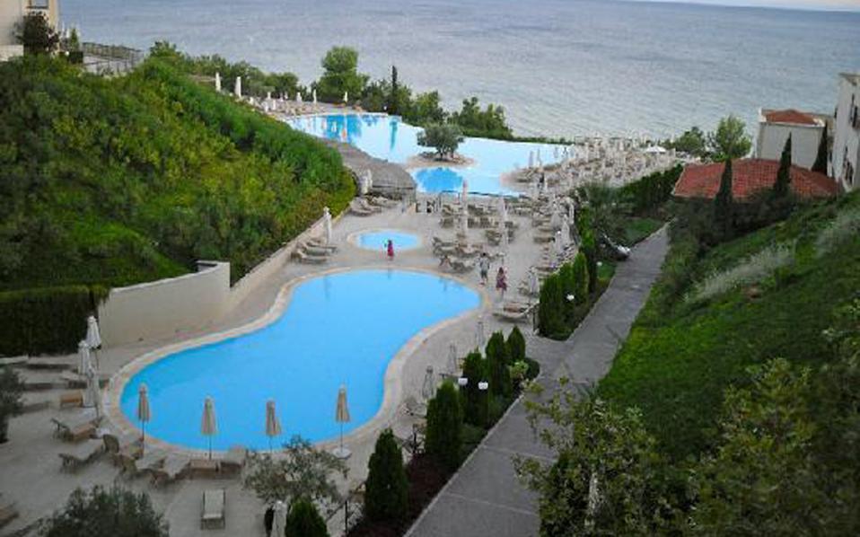 Το ξενοδοχείο που βρέθηκε στην κορυφή των προτιμήσεων στην Ευρώπη είναι το Οceania Club στη Χαλκιδική της αλυσίδας Ikos Resorts.