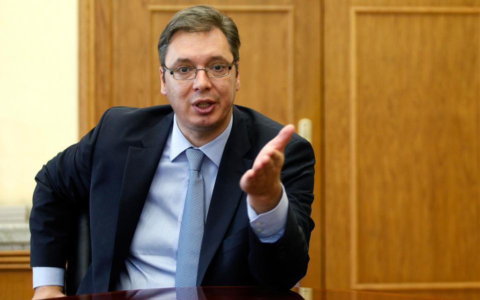 «Η Σερβία θα παραμείνει μια οργανωμένη χώρα παρά τις πιέσεις από τις οποίες απειλείται», υποστηρίζει ο Σέρβος πρωθυπουργός, Αλεξάντερ Βούτσιτς.