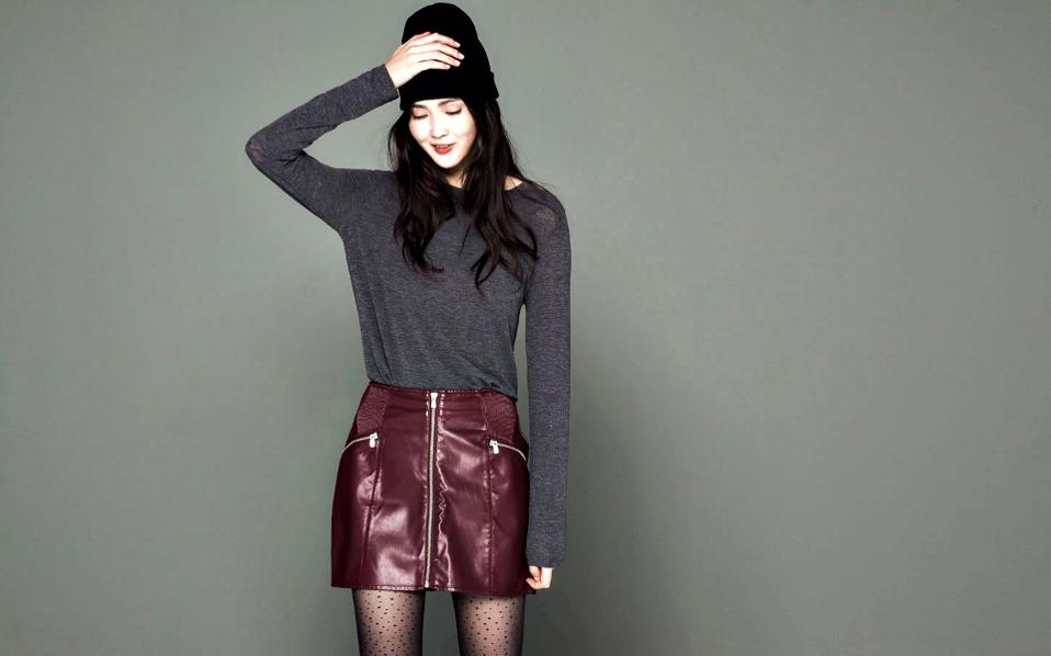 Μία δερμάτινη φούστα αποτελεί σίγουρα ένα από τα πιο θηλυκά και μοντέρνα  κομμάτια μιας γυναικείας γκαρνταρόμπας και ανάλογα με το στιλ της σας δίνει  τη ... 0b2df11adb5