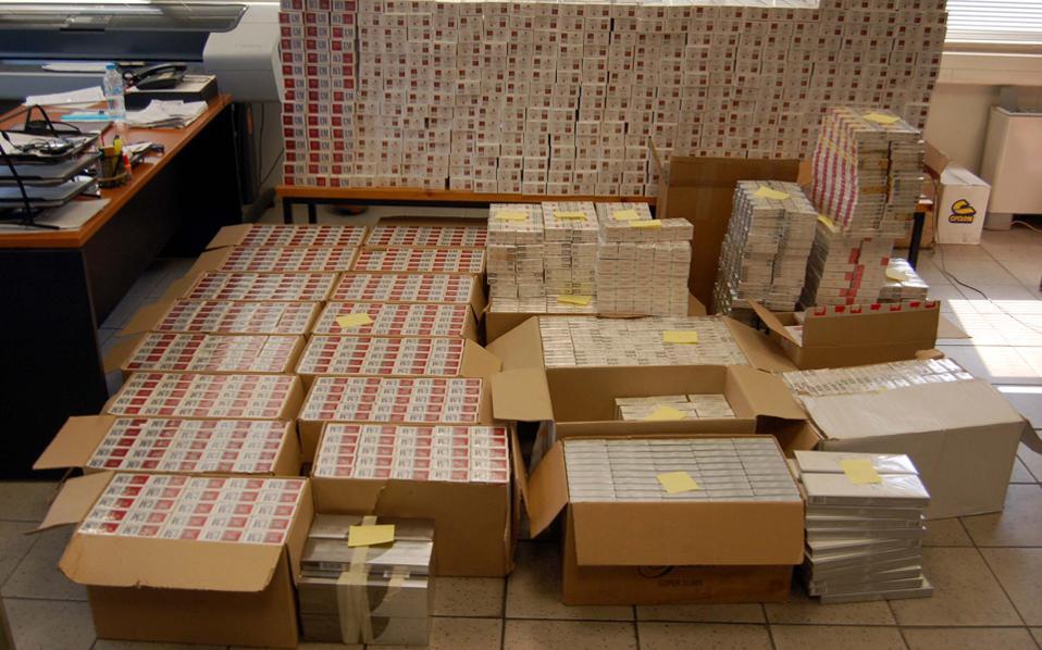 Το παράνομο εμπόριο τσιγάρων εξακολουθεί να αυξάνεται στην Αθήνα, στη Θεσσαλονίκη, στην Πάτρα, στη Λάρισα, στον Βόλο κ.α.