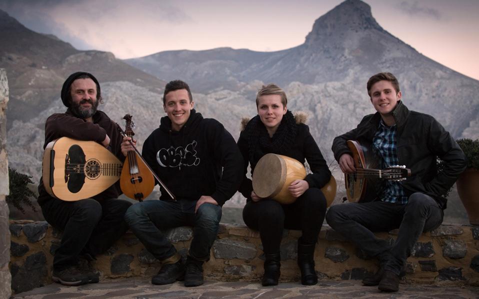 Η μουσική παραδοση της Κρήτης μέσα από την ιστορία τριών γενεών που συνδέονται με τον τόπο καταγωγής τους.