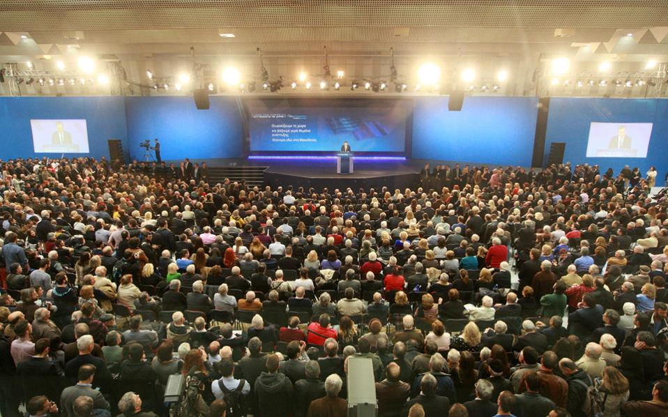 Από την κατάμεστη αίθουσα του Βελλιδείου, ο πρωθυπουργός Αντ. Σαμαράς έκανε λόγο για επερχόμενη φοροκαταιγίδα του ΣΥΡΙΖΑ.