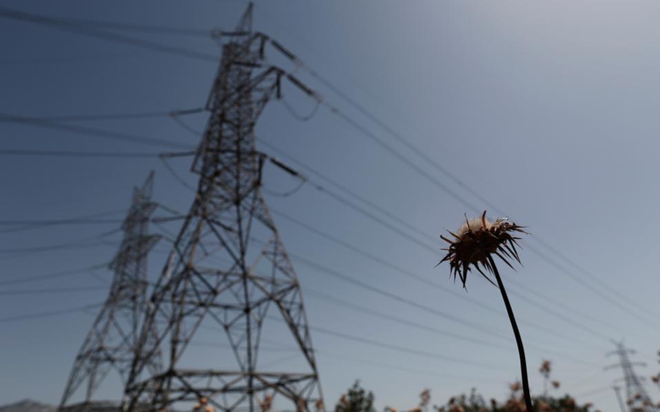 «Η ελληνική κυβέρνηση δεν πρόκειται να προχωρήσει στην ιδιωτικοποίηση της ΔΕΗ ή του Διαχειριστή Δικτύου, ΑΔΜΗΕ», δήλωσε ο κ. Λαφαζάνης.