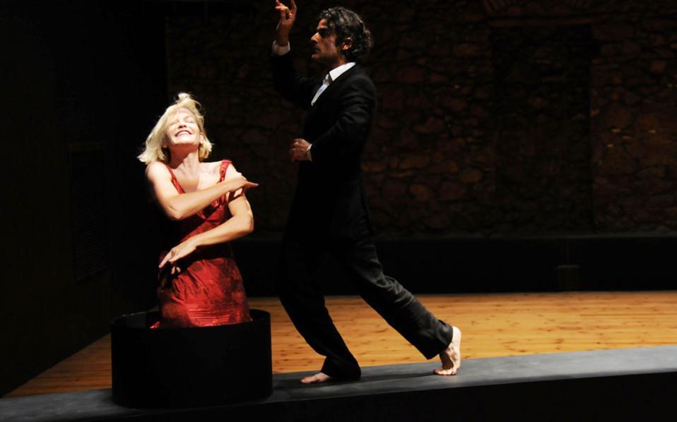Αγλαΐα Παππά και Αντώνης Μυριαγκός στο «Amor» σε σκηνοθεσία Θ. Τερζόπουλου.