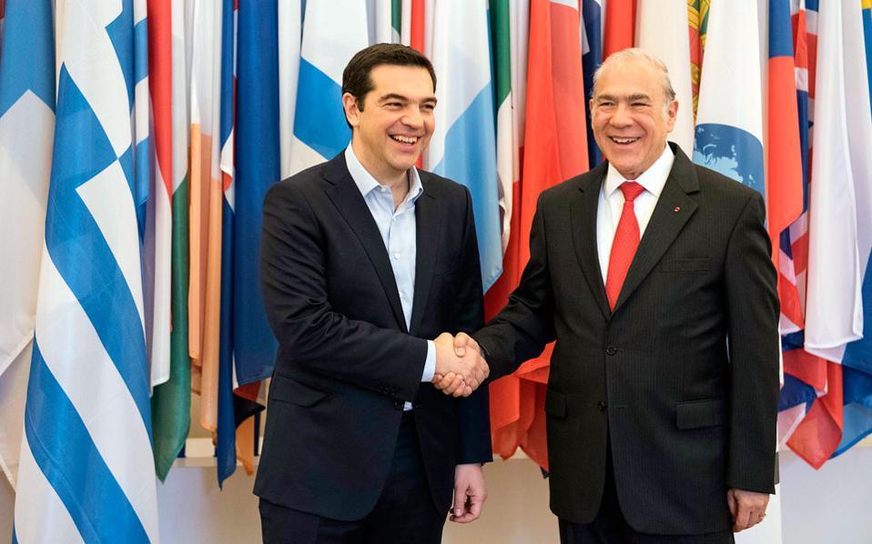Ο πρωθυπουργός Αλέξης Τσίπρας, κατά τη χθεσινή συνάντησή του με τον Ανχελ Γκουρία, στο Παρίσι, εξέφρασε την ικανοποίησή του για τη συμφωνία συνεργασίας με τον ΟΟΣΑ.