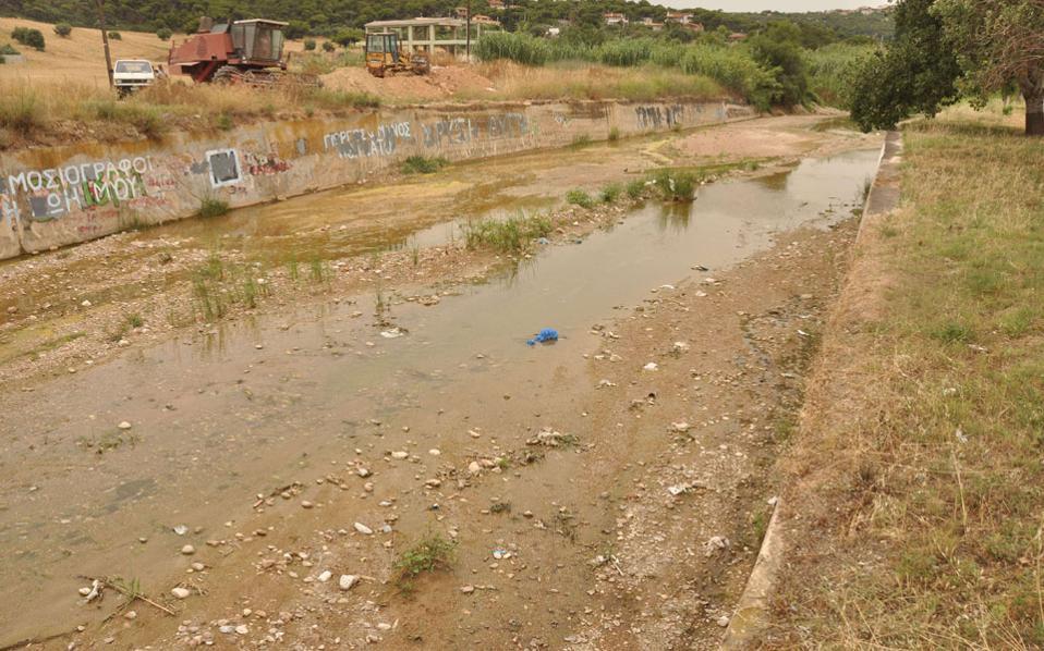 Η πρώτη «πραγματική» εφαρμογή του συστήματος αφορά την περιοχή της Ραφήνας, που έχει καεί πολλές φορές στο παρελθόν και αντιμετωπίζει ανά τακτά διαστήματα προβλήματα πλημμυρών.