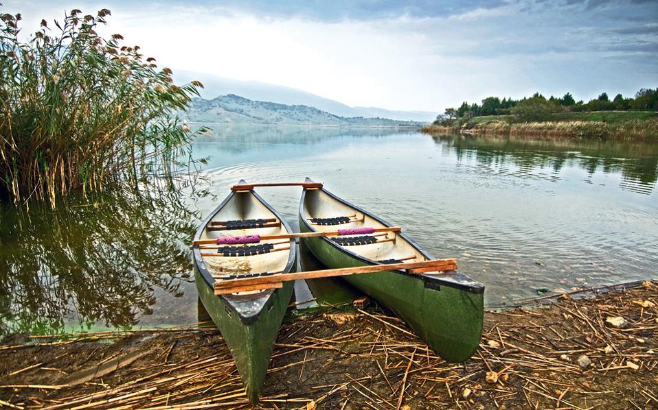 Αποψη της λίμνης Ζάζαρη. (Φωτογραφία: Κλαίρη Μουσταφέλλου)