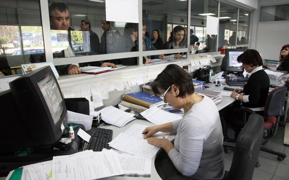 Τον Ιανουάριο δεν καταβλήθηκαν φόροι ύψους 840 εκατ. ευρώ και τον Φεβρουάριο 925 εκατ. ευρώ.