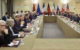 Μέχρι αργά χθες το βράδυ συνεχίζονταν οι διαπραγματεύσεις μεταξύ των μεγάλων δυνάμεων της διεθνούς κοινότητας και της ιρανικής αντιπροσωπείας, στη Λωζάννη.