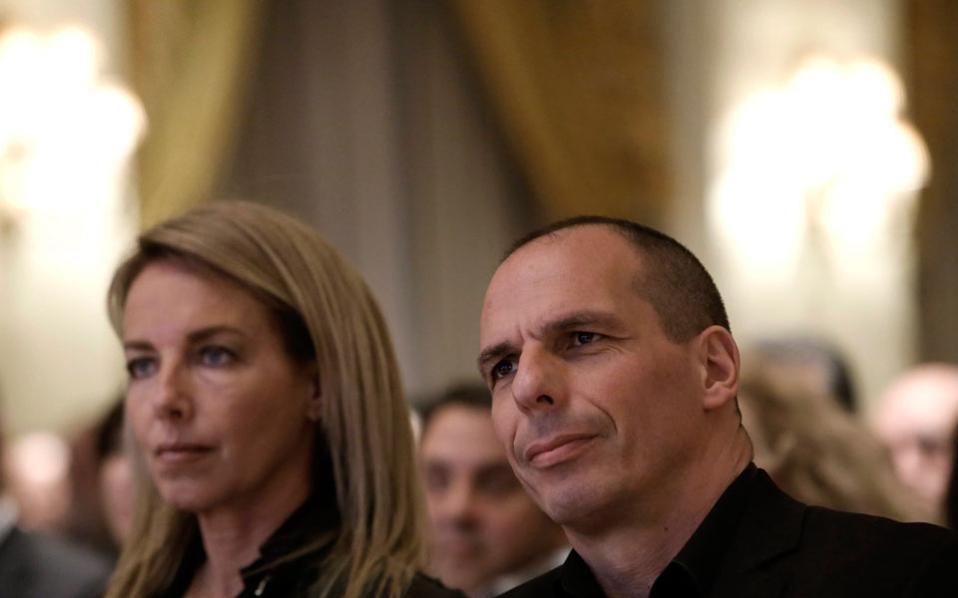 Ο υπουργός Οικονομικών και η σύζυγός του στο στο 20ό Banking Forum.