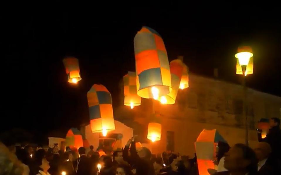 Το βράδυ της Ανάστασης ο ουρανός γίνεται πολύχρωμος και φωτίζεται από το Αγιο Φως που δίνει ώθηση στα πασχαλινά αερόστατα, τα οποία με περισσή φροντίδα έχουν ετοιμαστεί από τους νέους του Λεωνιδιου Αρκαδίας,