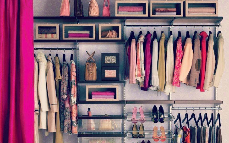 Αποτέλεσμα εικόνας για ντουλαπες με ρουχα