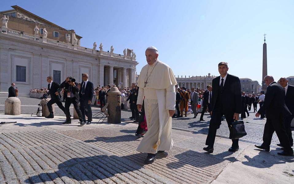 Ο Φραγκίσκος της Ασίζης, του οποίου το όνομα έχει διαλέξει ο Πάπας, θεωρείται προστάτης όλων των πλασμάτων.