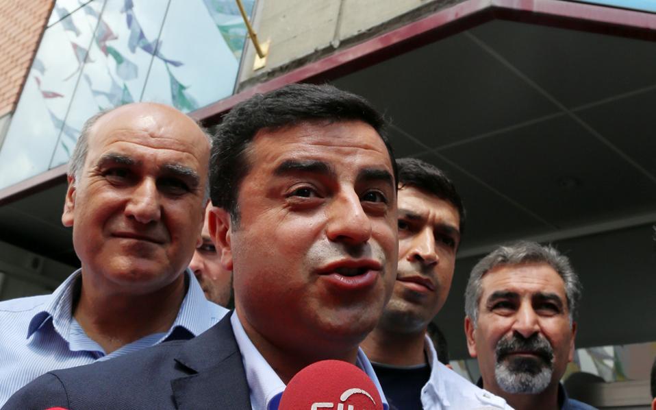 Ο Σελαχατίν Ντεμιρτάς του φιλοκουρδικού HDP απέκλεισε κάθε ενδεχόμενο συμμετοχής του σε κυβέρνηση του AKP.