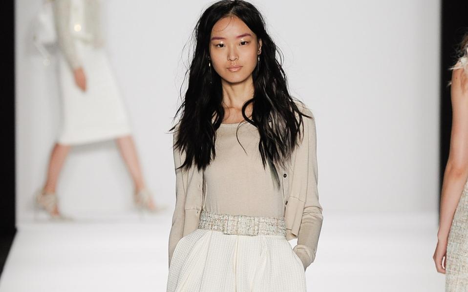 Κομψές φούστες για άψογες εμφανίσεις. Ειρήνη Σιδέρη. ×.  59-fashion-mischka wss15 008 6cbaae865ac