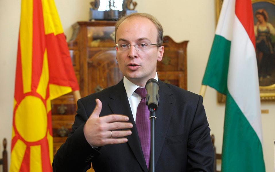 Η ενέργεια του Αντόνιο Μιλόσοσκι θα μπορούσε να χαρακτηριστεί μόνο ως άστοχη και υπονομευτική, αν και τέτοιες κινήσεις θα πρέπει να αναμένονται στο επόμενο διάστημα, καθώς η ΠΓΔΜ οδεύει την άνοιξη σε εκλογές και ο Γκρούεφσκι θα υψώσει για ακόμα μία φορά το λάβαρο του εθνικοπατριωτισμού.