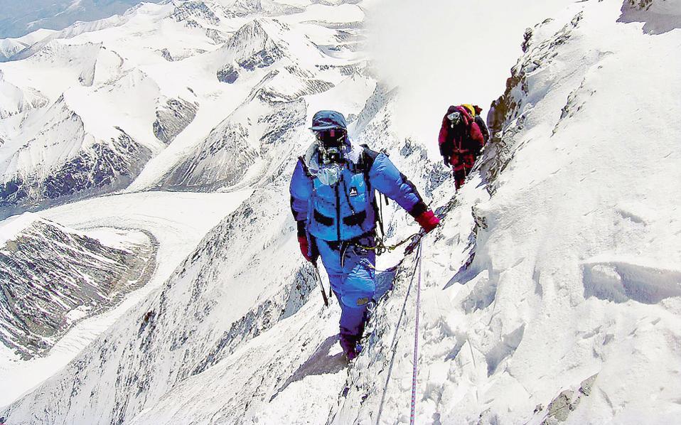 Χρειάζεται πάθος, επιμονή και αντοχή για να γίνουν τα όνειρα πραγματικότητα. Η περίπτωση του Ιάπωνα ορειβάτη Τακάο Αραγιάμα είναι ενδεικτική. Σε ηλικία 70 ετών, το 2006 κατάφερε να κατακτήσει την κορυφή του Εβερεστ.