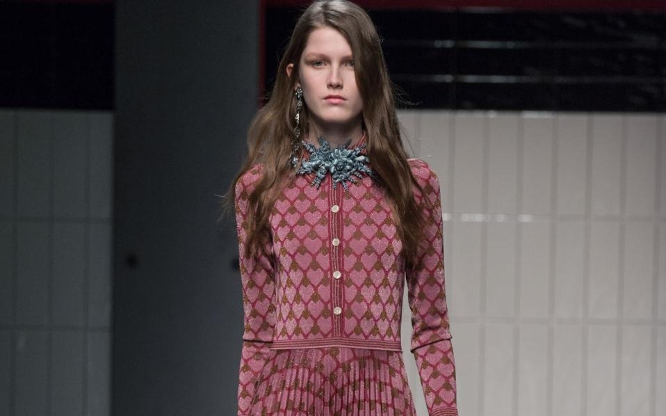 b7e777498e5 Φθινοπωρινά φορέματα για στιλάτες εμφανίσεις | Μόδα | Η ΚΑΘΗΜΕΡΙΝΗ