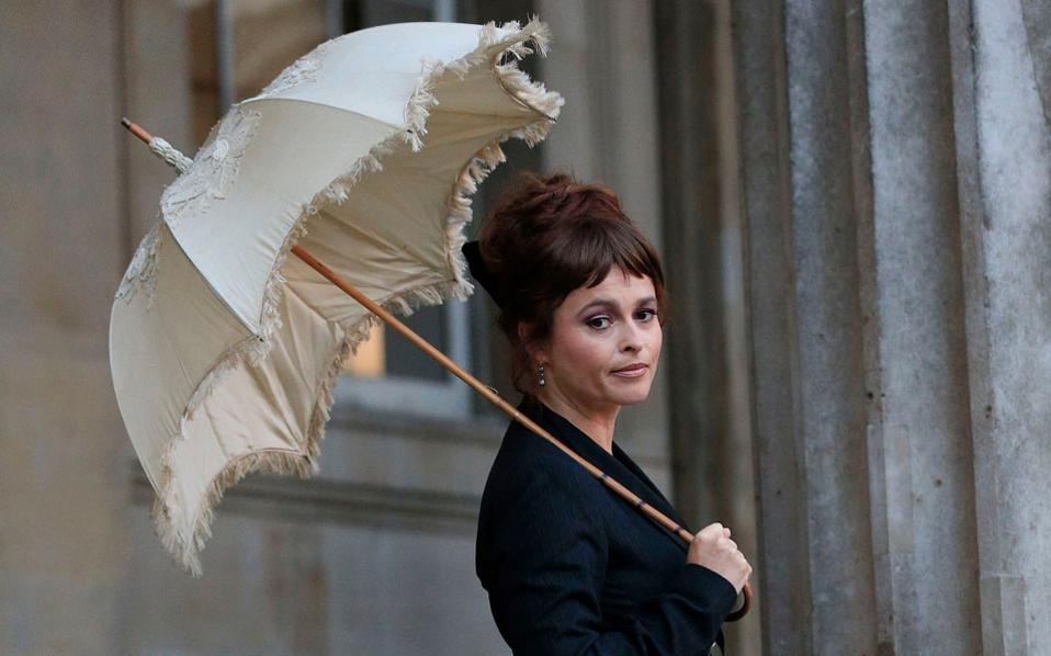 H Eλενα Μπόναμ Κάρτερ θα πρωταγωνιστήσει στην τηλεοπτική σειρά «Love, Nina».