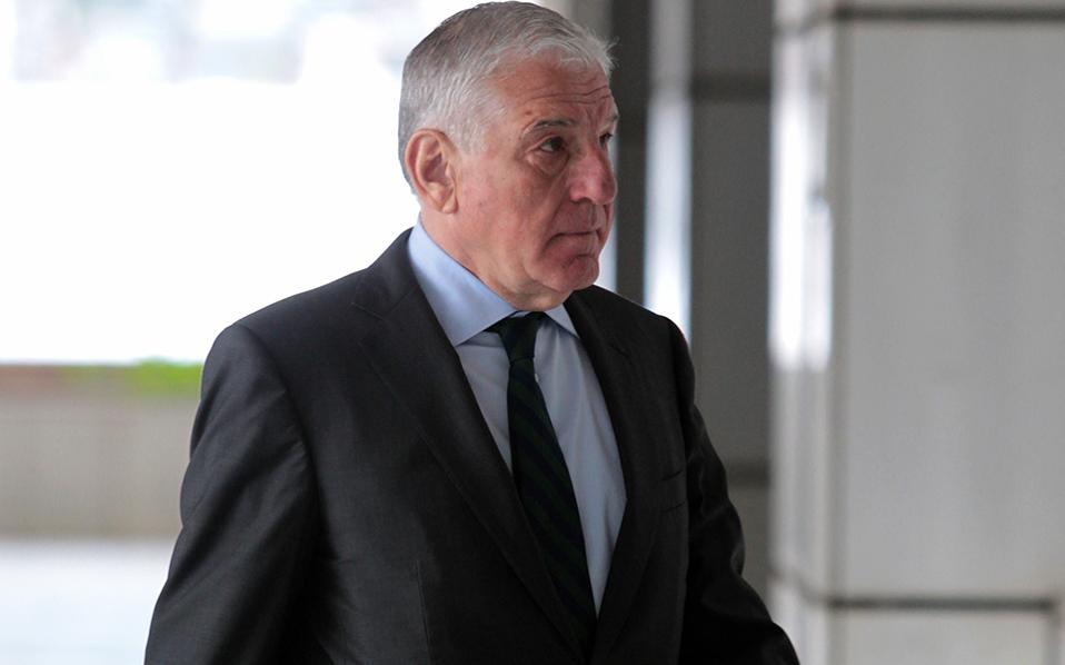 Πρωτόδικα το δικαστήριο καταδίκασε σε ποινή φυλάκισης τεσσάρων ετών τόσο τον πρώην υπουργό όσο και την σύζυγο του.