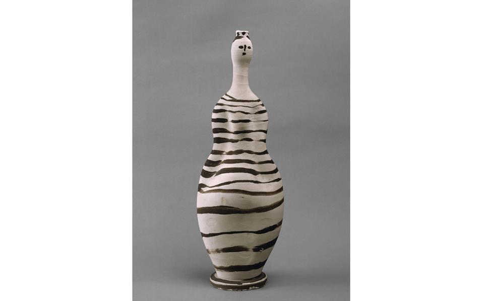 «Vase: Woman», Βαλορί, 1948. Ενα από τα έργα που φιλοτέχνησε ο Πικάσο στο εργαστήριό του στην περιοχή Βαλορί κοντά στις Κάννες.
