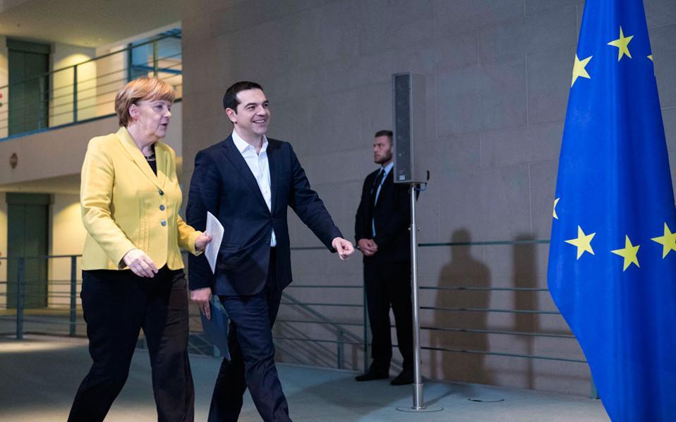 Ο Ελληνας πρωθυπουργός  Αλ. Τσίπρας αναμένεται να έχει συνάντηση με τη Γερμανίδα καγκελάριο Αγκελα Μέρκελ στο περιθώριο της Συνόδου Κορυφής της Ευρωπαϊκής Ενωσης, στις Βρυξέλλες.