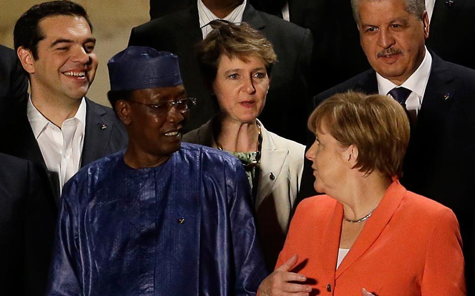 Ο πρωθυπουργός Αλέξης Τσίπρας με τον πρόεδρο του Τσαντ Ιντρίς Ντεμπί Ιτνό, την πρόεδρο της Αυστρίας Σιμονέτα Σομαρούγκα και τη Γερμανίδα καγκελάριο Αγκελα Μέρκελ.