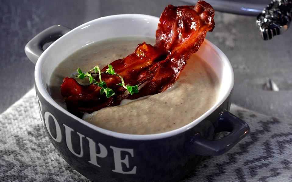 65111111_1730_soupes_manitarosoupa-me-tragano-bacon--veloute-traxana