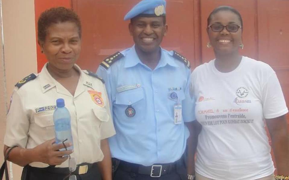 Ο Σπύρος Χαγκαμπιμάνα, με ελληνική υπηκοότητα, ως αξιωματικός της αστυνομίας του Μπουρούντι είχε αρνηθεί να ανοίξει πυρ κατά αμάχων διαδηλωτών.