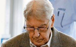 Με τα μάτια κολλημένα στο έδαφος προσήλθε στη δίκη  ο Ράινχολντ Χάνινγκ.