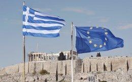 Η νέα κατεύθυνση προς την οποία κινείται η Ευρωπαϊκή Αρχή Ασφαλίσεων & Επαγγελματικών Συντάξεων προαναγγέλλει κατά κανόνα και την κατεύθυνση προς την οποία θα κινηθεί και ο Ευρωπαίος νομοθέτης. Η πορεία από το μονοπώλιο του κράτους, στον τομέα των συνταξιοδοτικών παροχών, στην πρόβλεψη των επαγγελματικών συντάξεων και τελικά στην πρόταση για τα PEPP δείχνει τη σταδιακή κίνηση προς επικράτηση δύο διαφορετικών αντιλήψεων, με τις οποίες θα πρέπει να συμβαδίσει και η ελληνική πραγματικότητα.