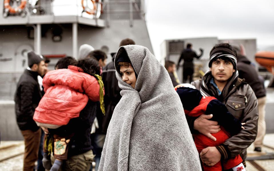 Στη Λέσβο έφτασαν πάνω από 3.000 πρόσφυγες και μετανάστες τις τελευταίες δύο ημέρες σύμφωνα με τα στοιχεία των αρχών.