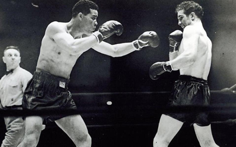 Ο Μαξ Σμέλινγκ (δεξιά) διατηρούσε αμοιβαία σχέση σεβασμού με τον μεγάλο αντίπαλό του Τζο Λούις.