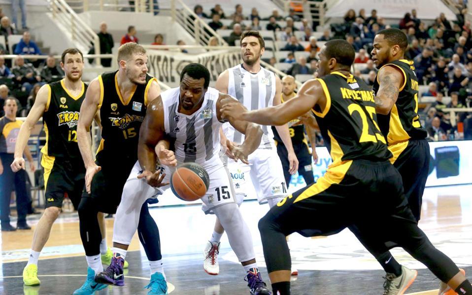 Οπως όλα δείχνουν η ΑΕΚ, ο ΠΑΟΚ αλλά και ο Αρης από την επόμενη σεζόν δεν θα αγωνίζονται στο Γιούροκαπ αλλά στο Τσάμπιονς Λιγκ της FIBA.