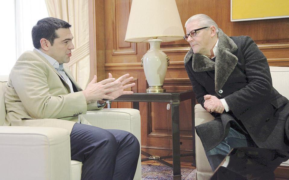 Από τη χθεσινή συνάντηση του πρωθυπουργού Αλέξη Τσίπρα με τον επικεφαλής του Διεθνούς Φεστιβάλ Αθηνών και Επιδαύρου, Γιαν Φαμπρ. Στο Βέλγιο, την πατρίδα του κ. Φαμπρ, θα είναι αφιερωμένη η φετινή διοργάνωση.