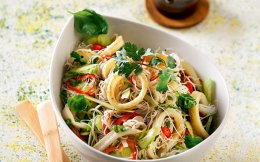 asiatiki-salata-me-kalamari