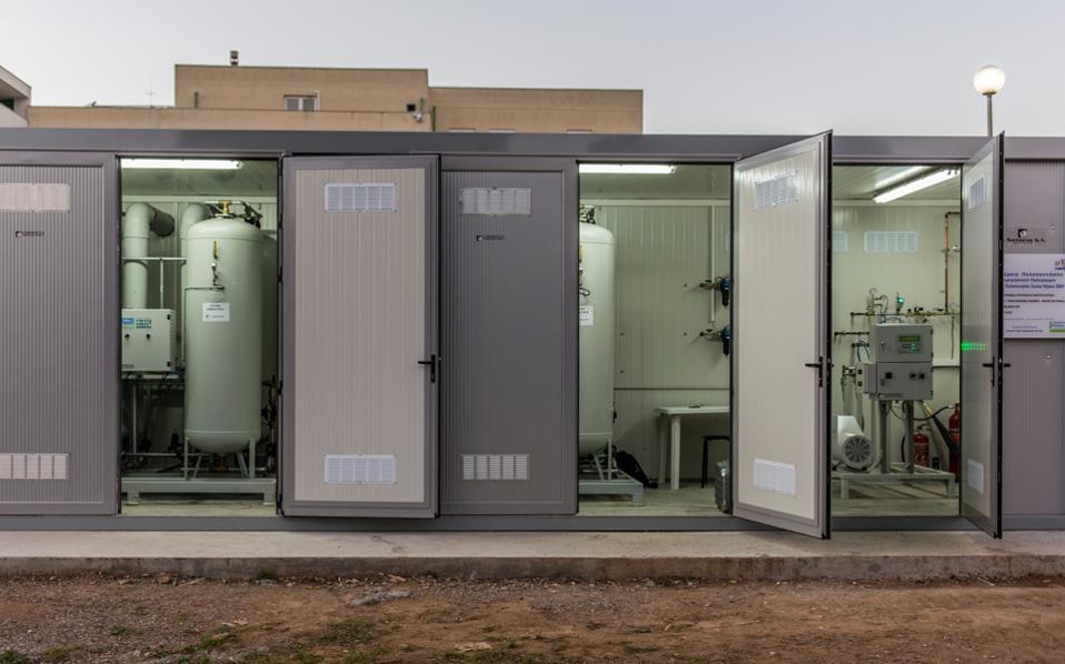 Το νοσοκομείο Καλαμάτας από τον Φεβρουάριο του 2015 παράγει το δικό του οξυγόνο και έχει ήδη εξοικονομήσει περίπου 400.000 ευρώ.