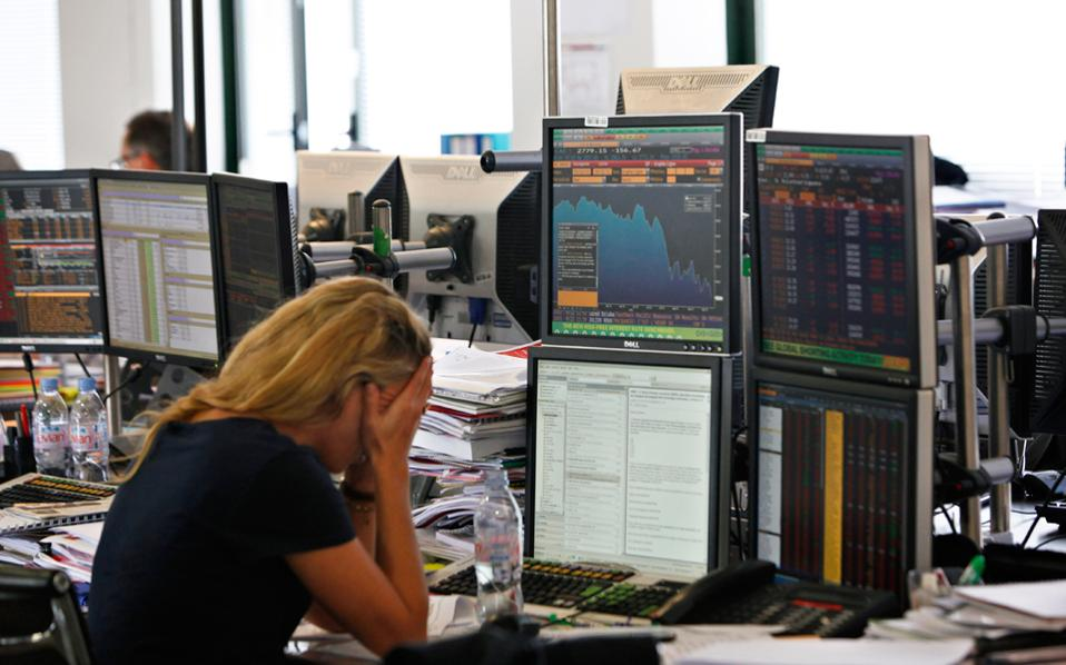 «Οι άνθρωποι με πολύ υψηλά εισοδήματα τείνουν πολύ περισσότερο να προχωρούν σε μαζικές πωλήσεις μετοχών στη διάρκεια μιας χρηματοπιστωτικής κρίσης», υπογραμμίζει ο Ντάνιελ Ρεκ, υποψήφιος διδάκτωρ του Πανεπιστημίου του Μίσιγκαν και ένας εκ των ερευνητών που εκπόνησαν τη σχετική μελέτη.