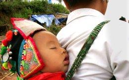 Η τεχνική αυτή δεν προκαλεί άγχος στα μωρά ούτε βλάπτει τον δεσμό με τους γονείς.