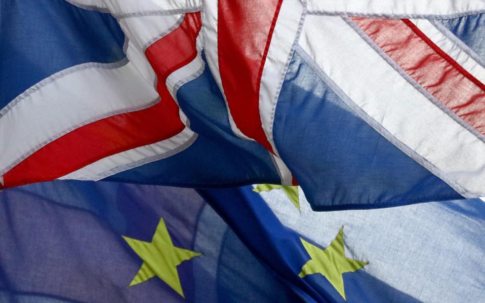 «Aν καταστήσουμε επιτυχία το Brexit, θα σημάνει το τέλος της Ε.Ε. Δεν μπορεί να συμβεί. Η αρχή των επιπτώσεων είναι πολύ σημαντική για να προστατεύσουμε την Ευρώπη», τονίζουν διπλωματικοί κύκλοι που τάσσονται υπέρ της υιοθέτησης σκληρής στάσης έναντι των Βρετανών.