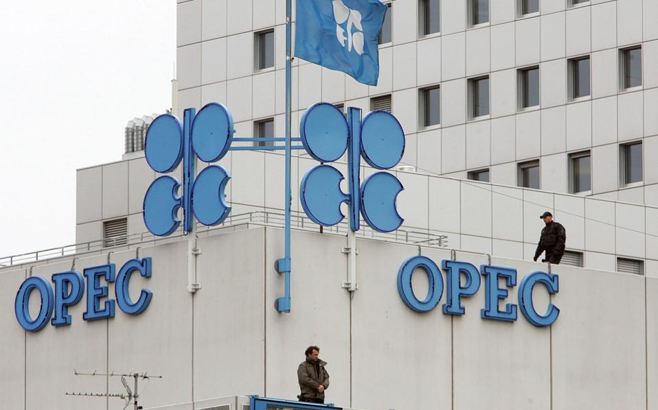 Οι τιμές του αργού πετρελαίου και του πετρελαίου Brent προσέγγισαν τα 50 δολάρια το βαρέλι, ενόψει της συνόδου του ΟΠΕΚ, που θα πραγματοποιηθεί αυτήν την Πέμπτη στη Βιέννη.